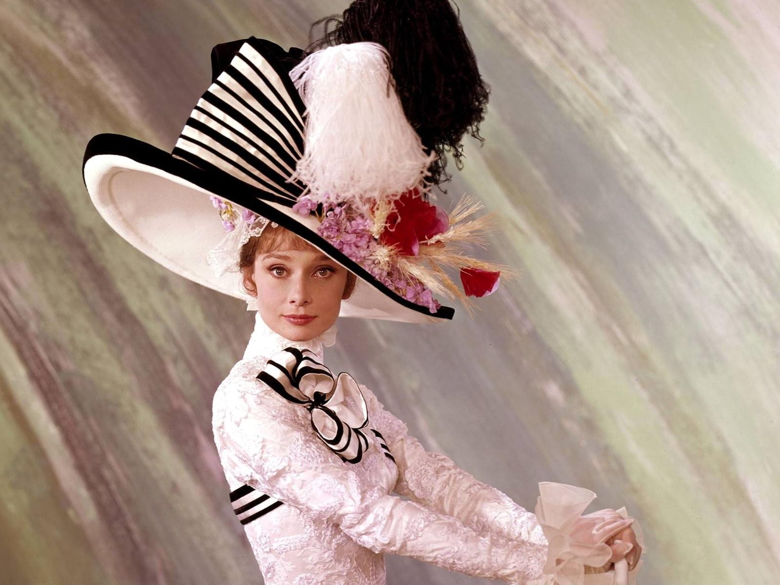 Αποτέλεσμα εικόνας για My fair lady kiss audrey hepburn